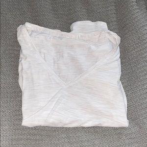 White LULULEMON short sleeve